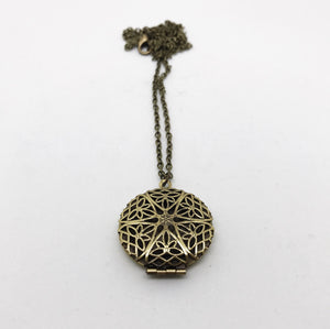 ACC 005A Aromatherapy Diffuser Necklace (STAR)