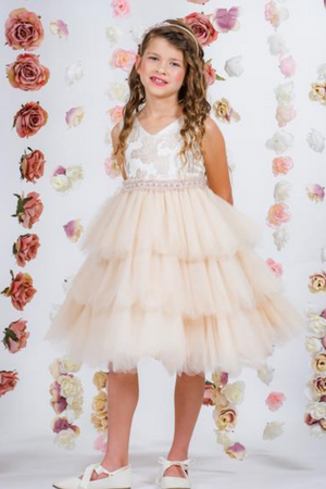 6 Flower Girl Dress Inspired Ideas for a Fairytale Summer Wedding