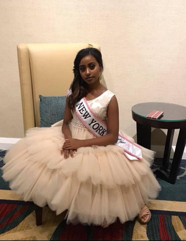 Little Miss New York United State 2018, Alana Smith wearing Kids Dream Style #412 for her pageant interview at Little Miss United States Pageant