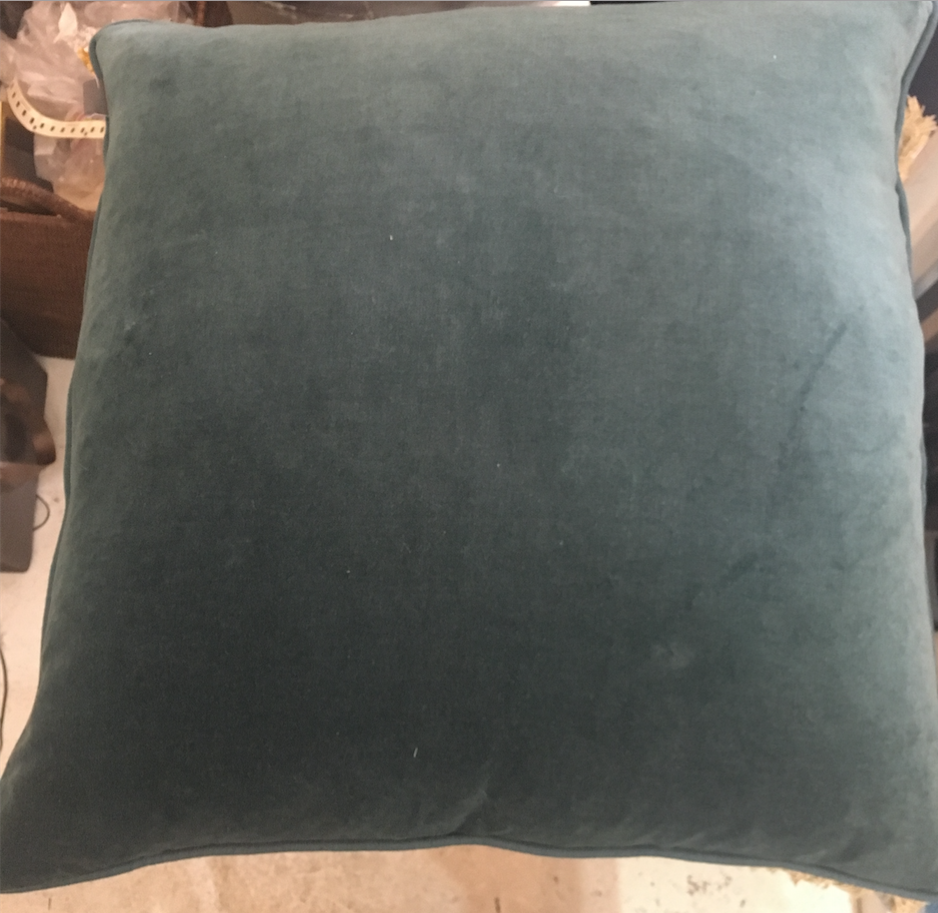Velvet Cushion with Linen Piping Ocean 60x60