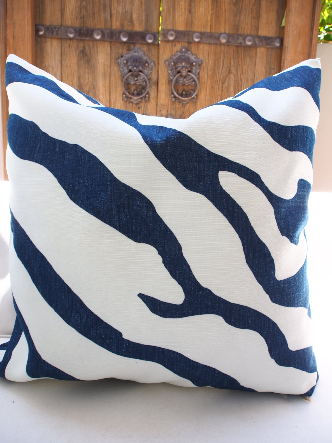 Outdoor Custom Cushion Bl/White Zebra 60x60