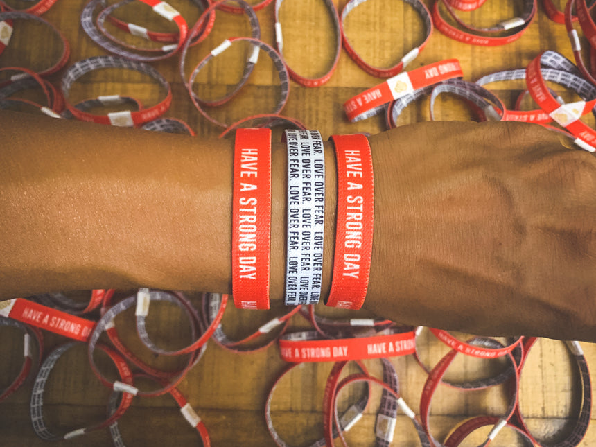 HAVE A STRONG DAY. | MENTAL HEALTH | (RED) REVERSIBLE WRISTBAND - LOVE, ANXIETY, DEPRESSION