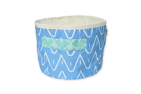 DUDUK Round Basket: Blue Zigzag with Mint Green Handle
