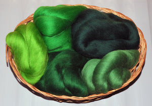 """Green"" Dyed Merino Wool Top Kit (100Grams)"