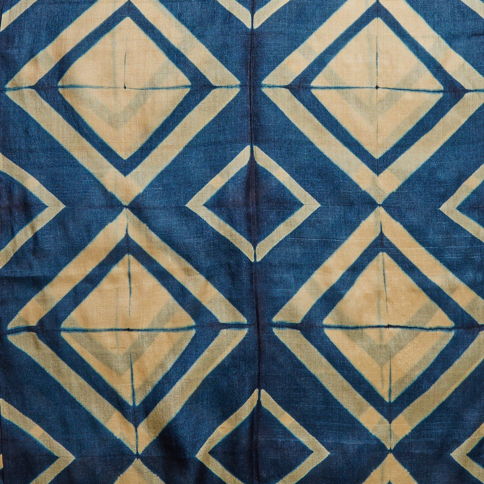 Image showing off the striking blue diamond pattern