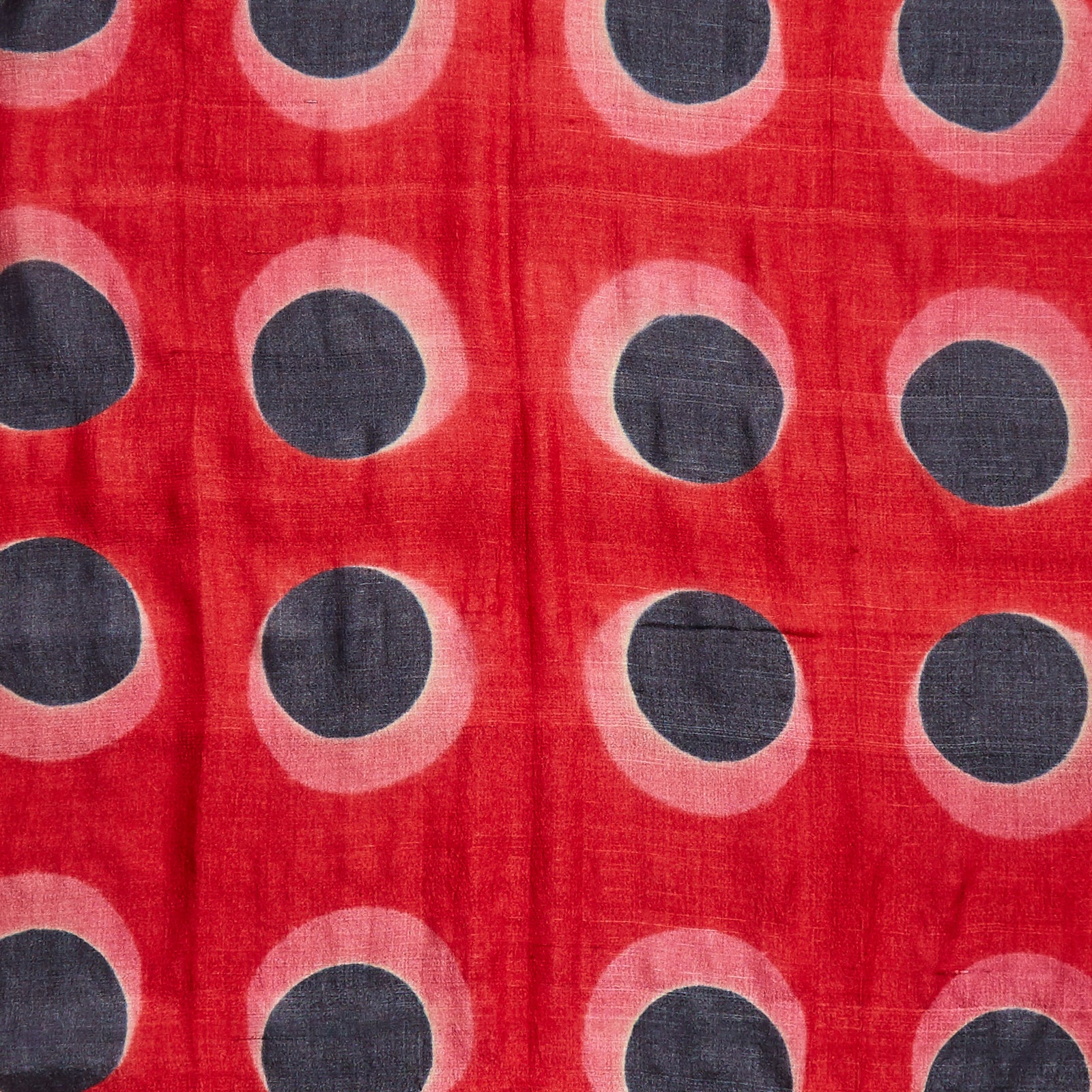 Image showing off the striking red pattern