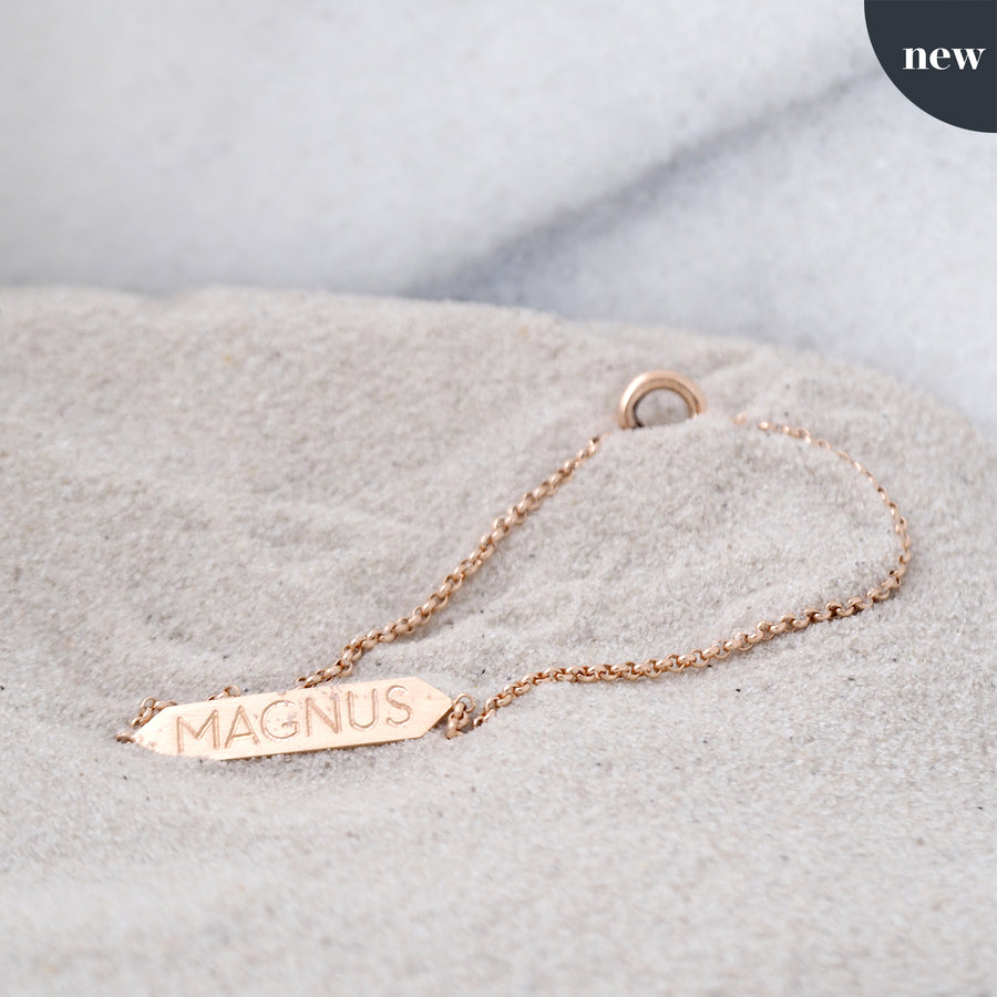 Shelter bracelet with preset font