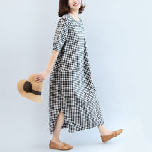Load image into Gallery viewer, 2017 black white plaid cotton dresses baggy loose half sleeve maxi dress side open