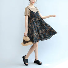 Load image into Gallery viewer, 2017 summer brown casual t shirt and floral stylish sleeveless linen dresses two pieces