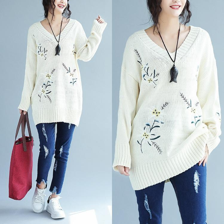 2017 white embroidery casual knit dresses plus size women v neck sweater dress
