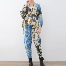 Afbeelding in Gallery-weergave laden, 2018 new spring two pieces blue prints knit sweater and casual patchwork floral pants