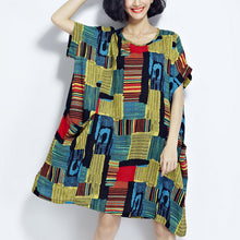 Load image into Gallery viewer, Baggy green prints cotton shift dresses plus size traveling clothing vintage o neck short sleeve cotton dress