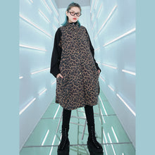 Load image into Gallery viewer, Elegant floral coat Loose fitting stand collar Coat New patchwork pockets long coat