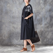 Elegant long cotton dresses Loose fitting Loose Short Sleeve Round Neck Black Pleated Dress