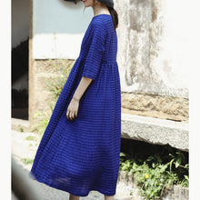 Load image into Gallery viewer, Fine blue silk linen dress plus size O neck baggy dresses New Half sleeve large hem silk linen dresses