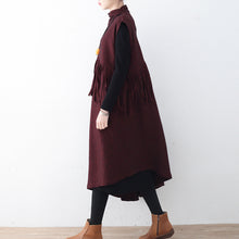 Afbeelding in Gallery-weergave laden, Fine burgundy long woolen trendy plus size tassel fall dresses Elegant asymmetric hem winter dress