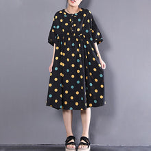 Load image into Gallery viewer, Fine pure linen dress oversize Loose Short Sleeve Dots Printed Black Pleated Dress