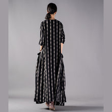 Load image into Gallery viewer, New black Plaid plus size clothing o neck baggy fall dresses 2018 pockets maxi dresses