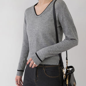 New gray cozy sweater Loose fitting V neck sweaters Elegant slim side open sweaters