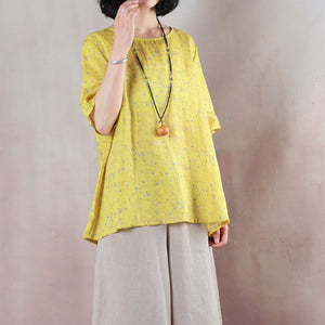 baggy yellow print natural linen t shirt Loose fitting traveling clothing casual short sleeve o neck back side open natural linen pullover