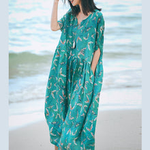 Load image into Gallery viewer, boutique green print long linen dresses Loose fitting v neck baggy dresses women short sleeve maxi dresses