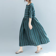 Load image into Gallery viewer, fashion dull green striped natural linen dress oversized o neck baggy dresses linen clothing dress boutique short sleeve pockets gown