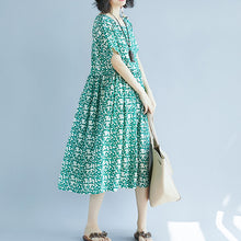 Load image into Gallery viewer, fashion green Midi linen dresses trendy plus size holiday dresses Fine short sleeve floral o neck dresses