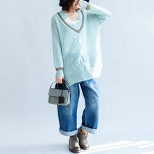 Afbeelding in Gallery-weergave laden, new light blue warm woolen sweater oversized casual v neck knit tops