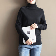 Load image into Gallery viewer, stylish black cozy sweater oversized pullover vintage warm winter t shirt knit
