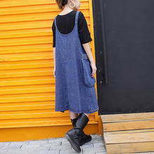 Afbeelding in Gallery-weergave laden, stylish denim blue Midi-length cotton dress Loose fitting cotton maxi dress Fine rivet decorated sleeveless knee dresses