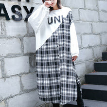 Load image into Gallery viewer, stylish white Plaid patchwork cotton blended caftans oversize O neck traveling dress top quality side open baggy gown
