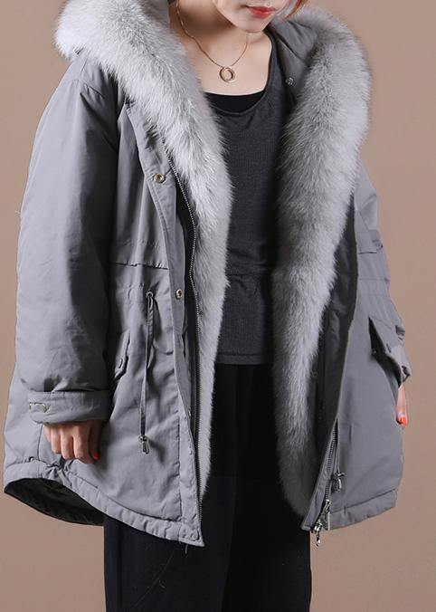 Loose fitting warm winter coat hooded drawstring parkas