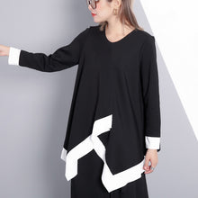 Load image into Gallery viewer, top quality black t shirt Loose fitting V neck traveling blouse vintage asymmetrical design cotton blended tops
