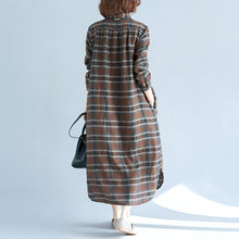 Load image into Gallery viewer, vintage chocolate Plaid cotton linen caftans plus size Turn-down Collar baggy dresses casual long sleeve dresses