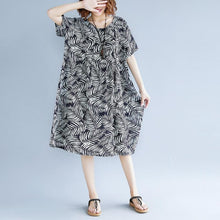 Load image into Gallery viewer, women print cotton linen dresses plus size clothing short sleeve baggy dresses New o neck traveling dress