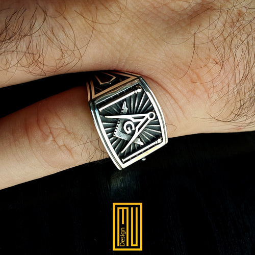 "Masonic Ring Silver tools with ""G"""
