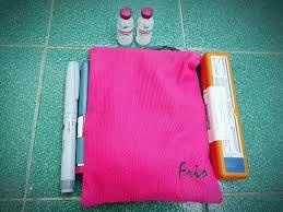 Diabetes HQ - FRIO - Cooling Case - Pink Viva Zipper Wallet