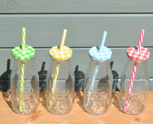 Unusual Funky Novelty Retro Milk Jar/Bottle Drinking Glasses With Lids & Straws