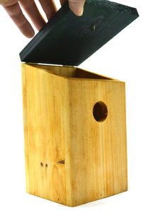 Kingfisher Nesting Box bird house for small garden birds lid up