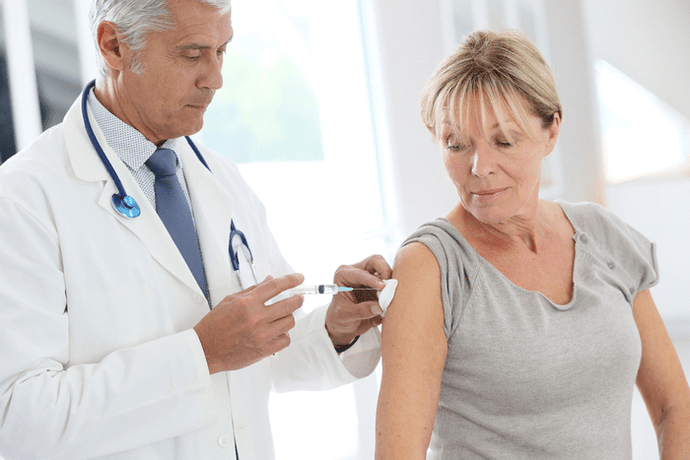Vitamin B12 Shots Benefits and Risks