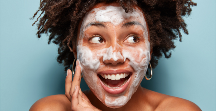 10 Ingredients Every Acne Cleanser Should Have
