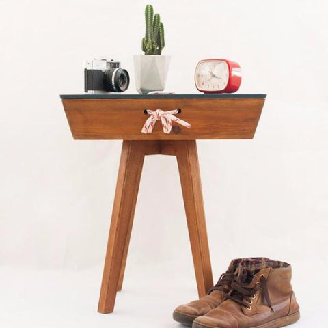 Vintage Walnut End Table by Oitenta on OOSTOR.com