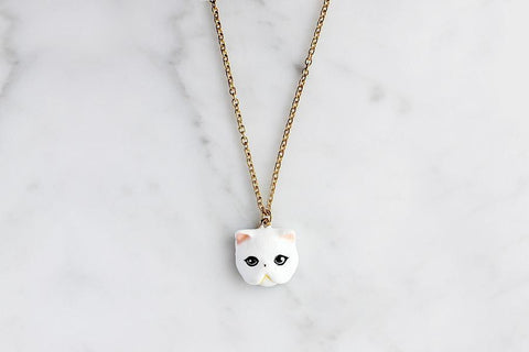 Jumpee White Persian Cat Necklace