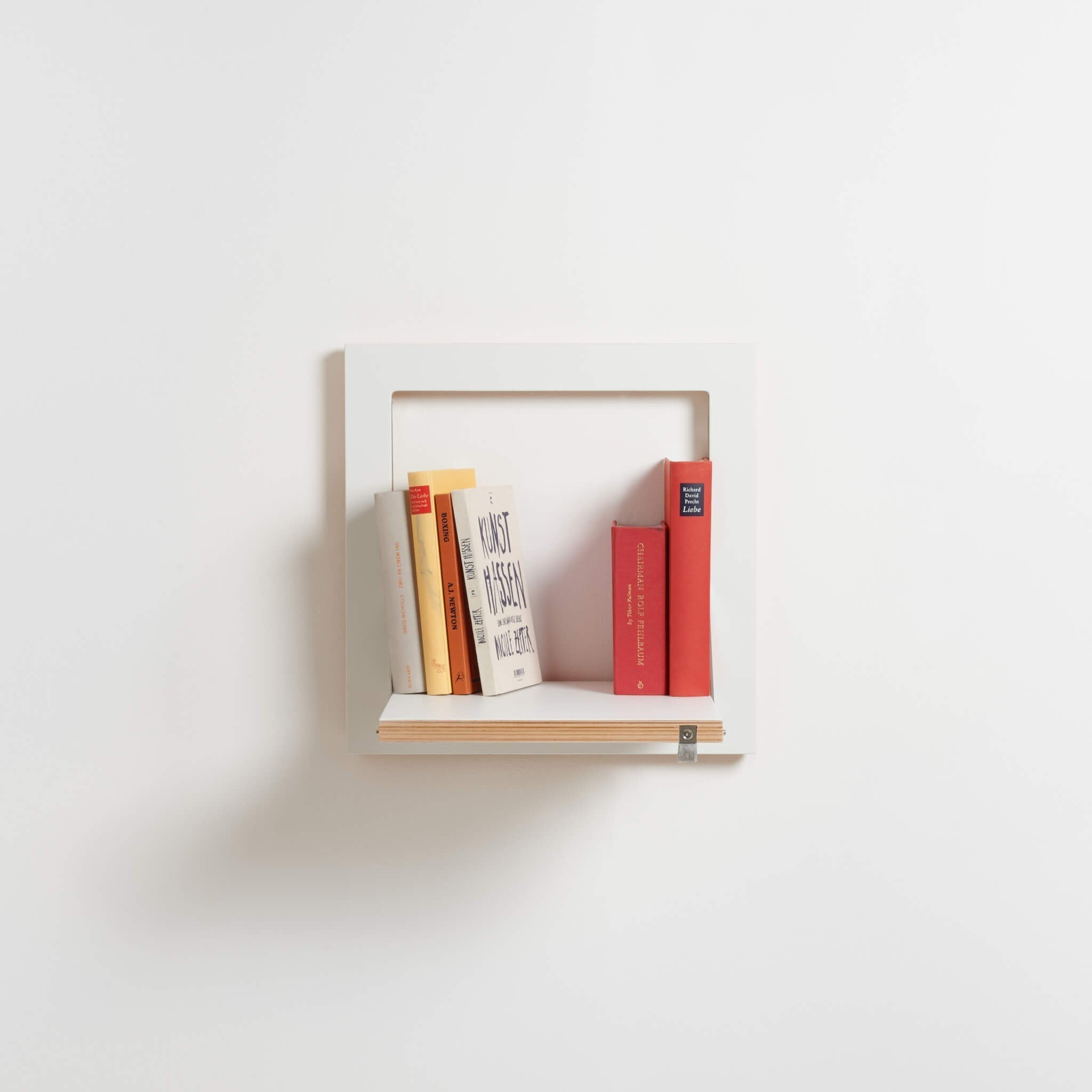 Fläpps Shelf by Ambivalenz
