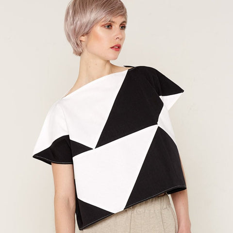 Mercury Top - Black & White by Bo Carter on OOSTOR.com