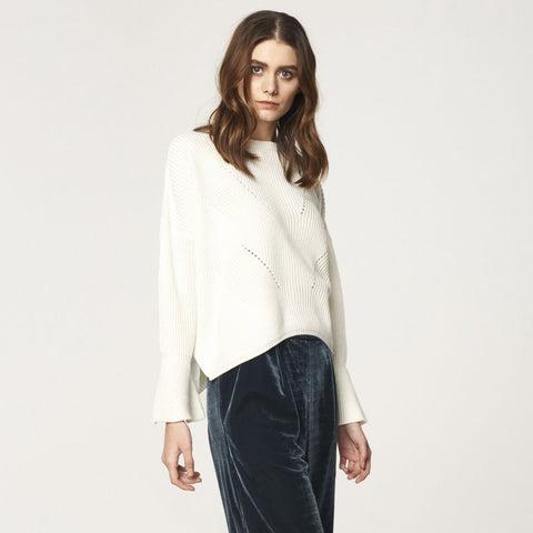 Jumper with Knit Details and Flared Sleeves in White