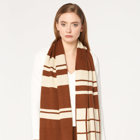 Oversized Scarf with Graphic Pattern in Brown and Cream