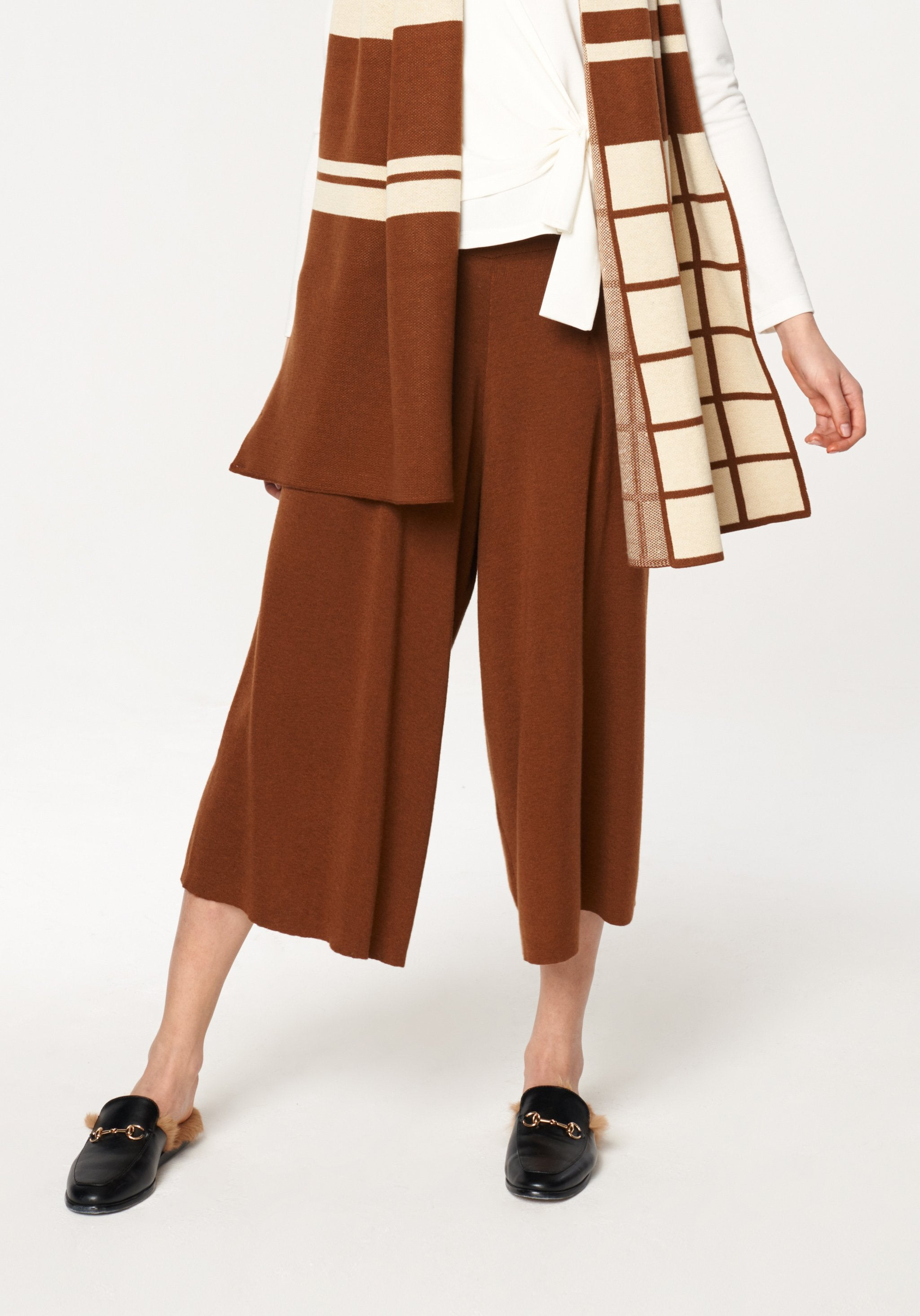 Knitted Culottes with Elastic Waist Band in Brown