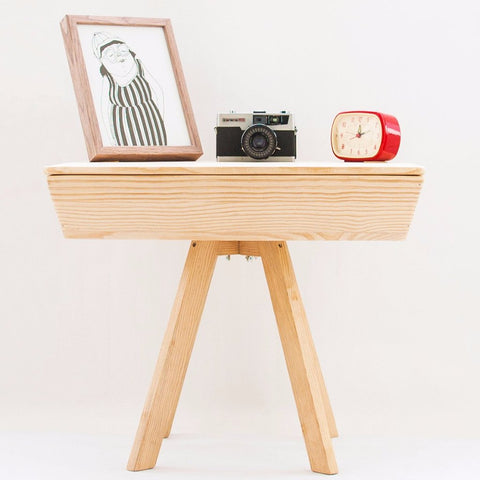 Scandinavian Handmade End Table by Oitenta on OOSTOR.com