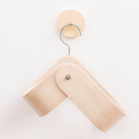 Minimalist Hanging Magazine Rack by Oitenta on OOSTOR.com